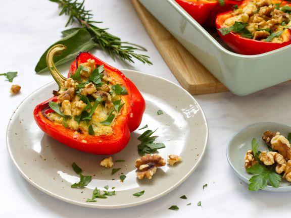 Gefüllte Paprika mit Quinoa, Ricotta und Kräutern