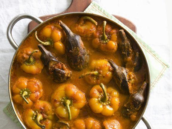 Gefüllte Paprika und Auberginen mit Trockenfrüchten
