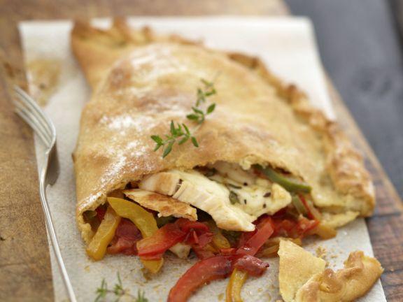 Gefüllte Pizzataschen mit Huhn, Paprika und Mozzarella