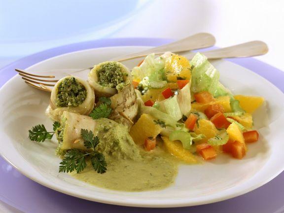Gefüllte Schollenröllchen mit Salat