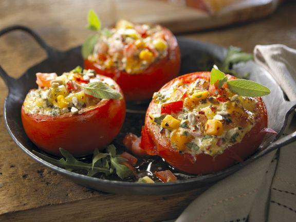Gefüllte Tomaten mit Sonnenblumenkernen
