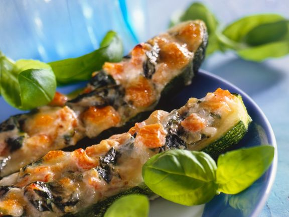 Gefüllte Zucchini mit Spinat