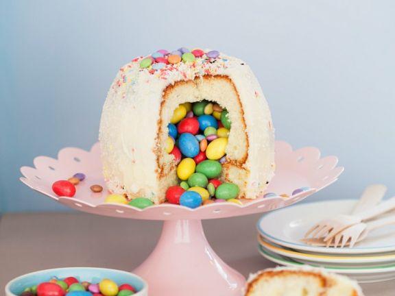 Gefüllter Kuchen mit Schokolinsen