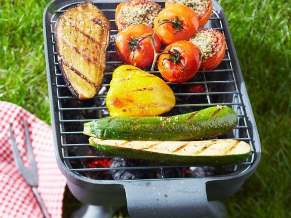 Gegrillte Aubergine, Paprika, Zucchini und Tomaten