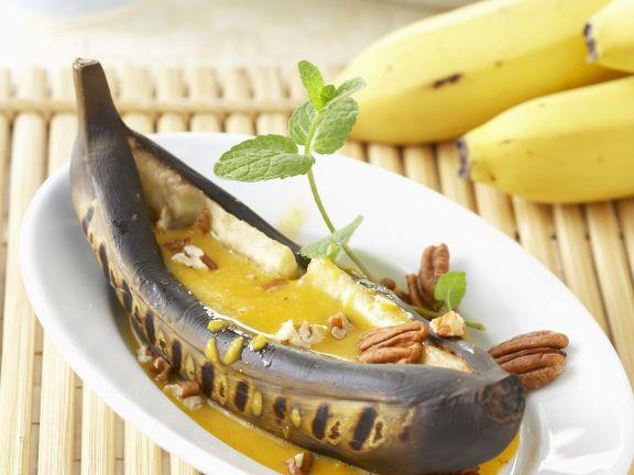 Gegrillte Banane mit Honig-Curry-Soße