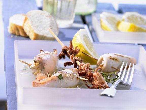 Gegrillte Calamari mit Feta-Füllung