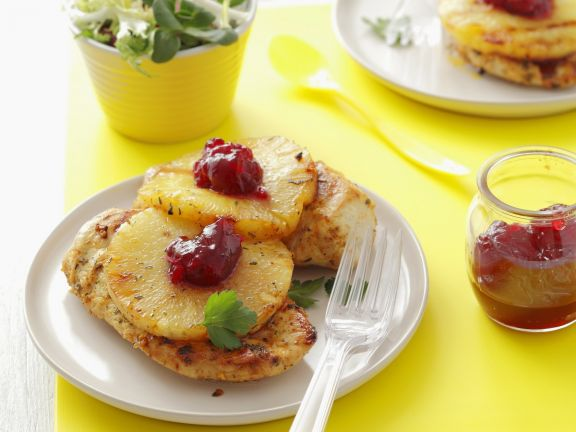 Gegrillte Hähnchenbrust mit Ananas und Cranberrykonfitüre
