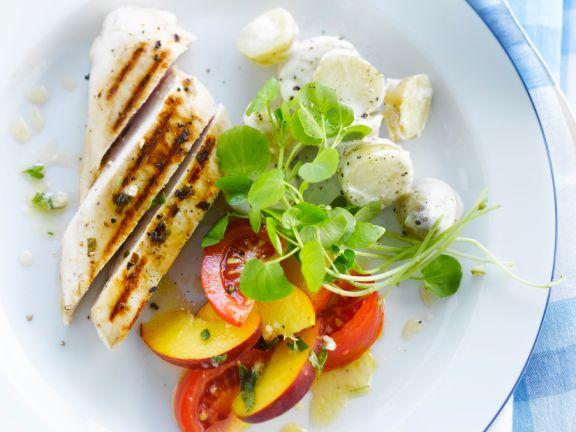 Gegrillte Hähnchenbrust mit Kartoffelsalat und Nektarinen