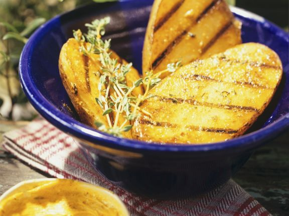 Gegrillte Kartoffelhälften
