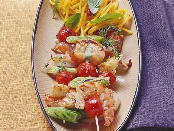 Gegrillte Shrimps-Spieße