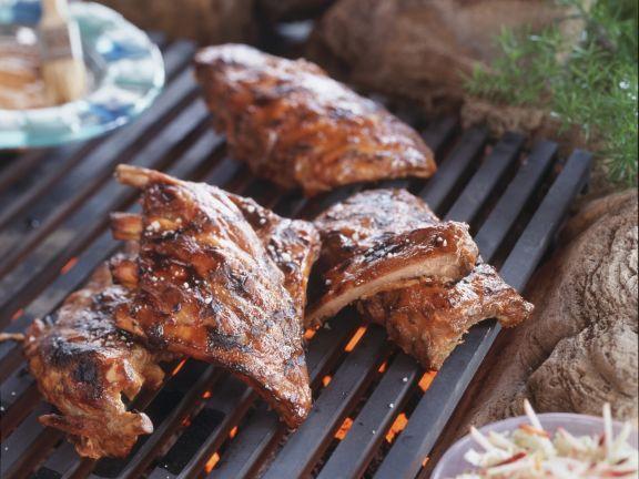 Gegrillte spareribs rezept eat smarter for Spareribs grillen gasgrill