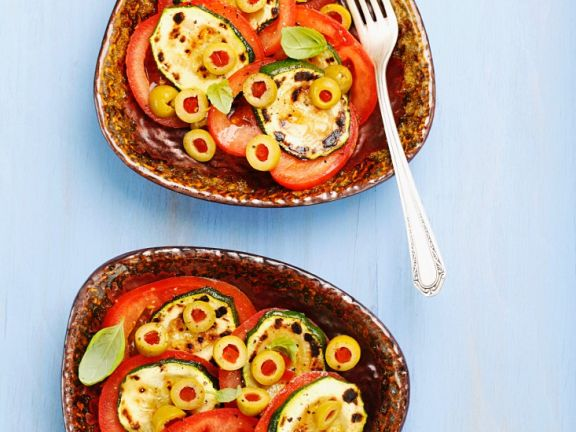 Gegrillte Zucchini-Tomatensalat