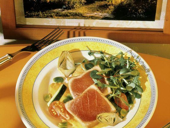 Gegrillter Thunfisch mit Salat