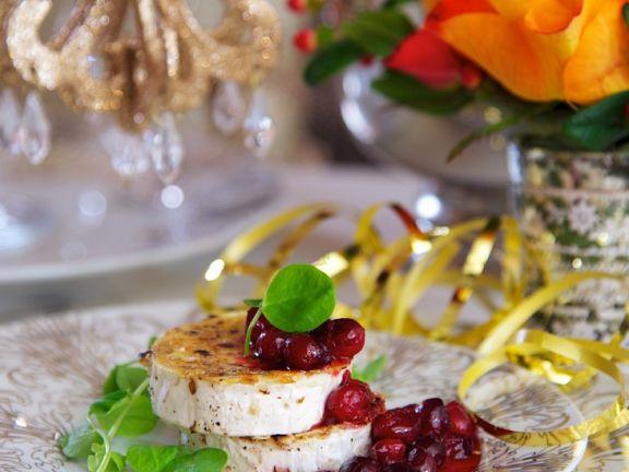 Gegrillter Ziegenkäse mit Crannberries
