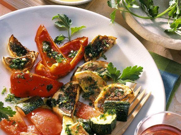 Gegrilltes Gemüse mit Knoblauchsacuce