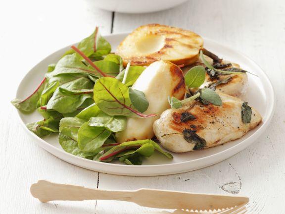 Gegrilltes Hühnchen mit Baby-Mangold-Salat und Birne