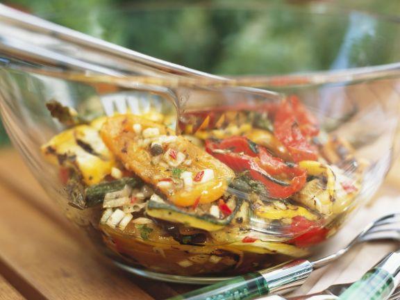 Gegrilltes mariniertes Gemüse