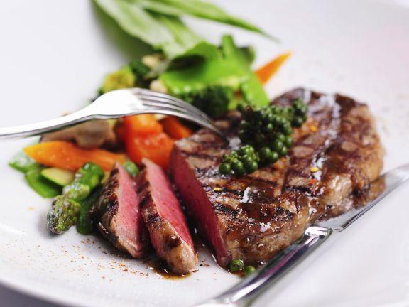Gegrilltes Steak mit grünem Pfeffer
