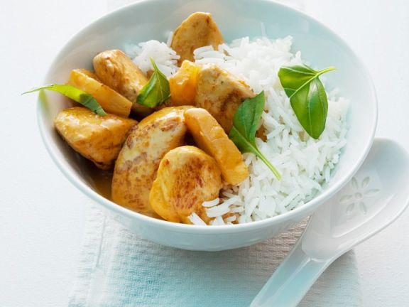 Gelbes Curry mit Hähnchenbrust und Basmati