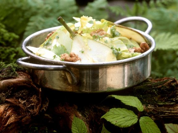 Gemischter Salat mit Birne