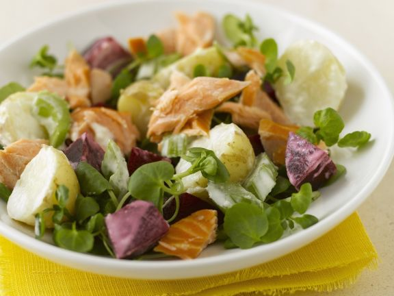 Gemischter Salat mit Lachs