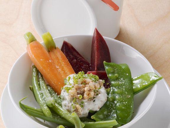 Gemischtes Gemüse mit Walnusscreme