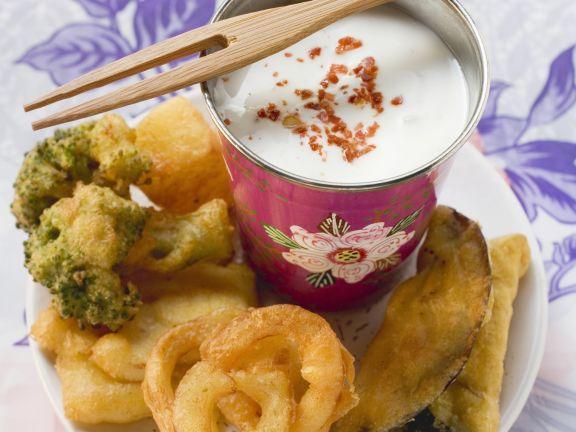 Gemüse auf Tempura-Art mit Joghurtsoße