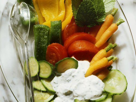 Gemüse aus dem Ofen mit Kräutersauce