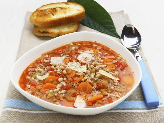 Gemüse-Dinkel-Suppe