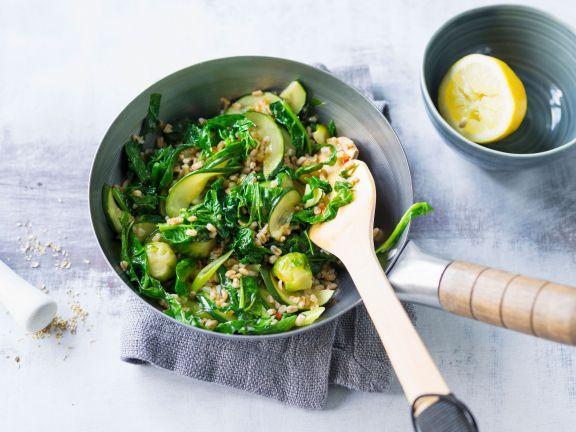 Gemüse-Dinkel-Wok mit Zucchini