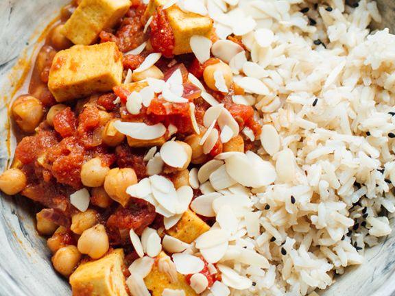 Gemüse-Kichererbsen-Curry mit Tofu