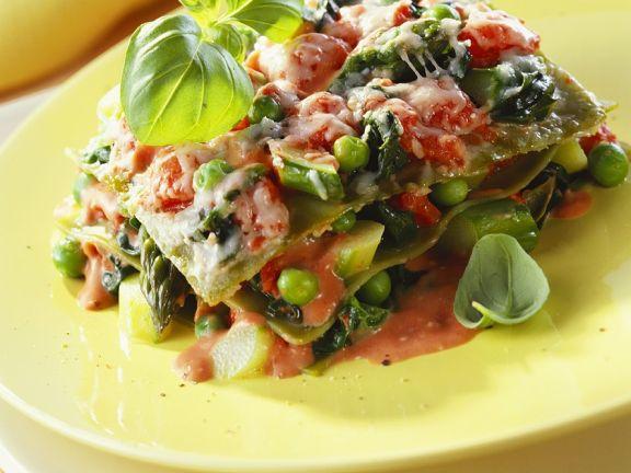 Gemüse-Lasagne mit Spargel und Erbsen