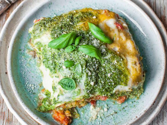 Gemüse-Lasagne gefüllt mit Spinat-Basilikum-Pesto