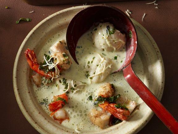 Gemüse-Meerrettichcremesuppe mit Fisch