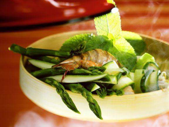 Gemüse mit Garnelen dämpfen