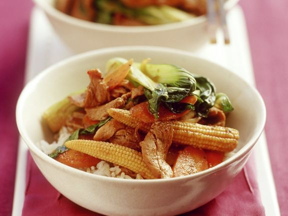Gemüse mit Schweinefleisch aus dem Wok