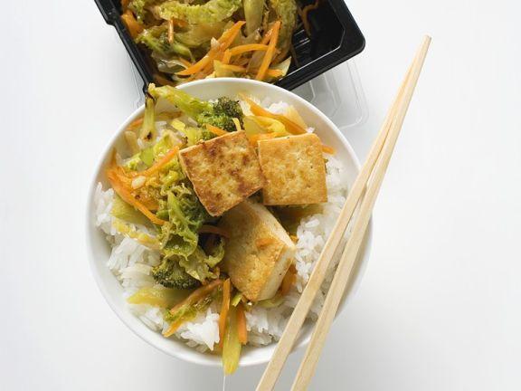 Gemüse mit Tofu aus dem Wok