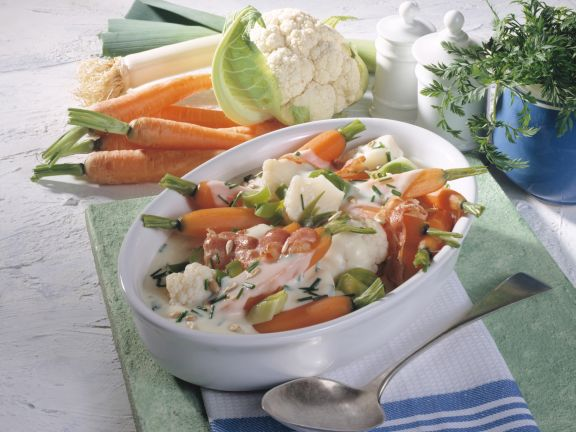 Gemüse-Mix mit Schnittlauch-Bechamel