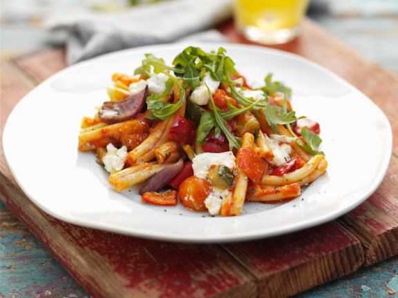 Gemüse-Nudeln mit Käse