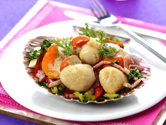Gemüse-Specksalat mit Muscheln