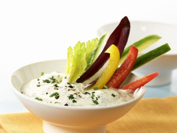 Gemüse-Sticks mit Kräuterquark