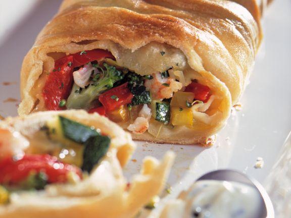 Gemüse-Strudel mit Kräuter-Frischkäse-Dip