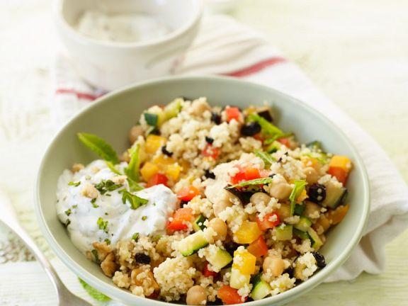 Gemüsecouscous mit Minze und Dip