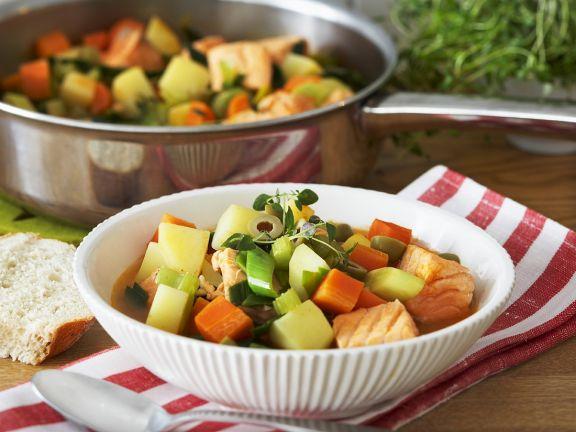 Gemüseeintopf mit Lachs