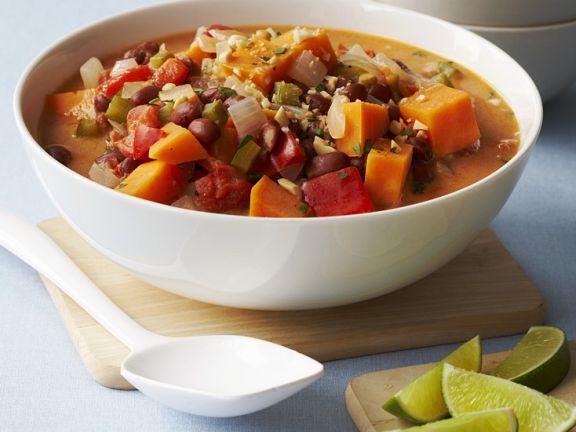 Gemüseeintopf mit Nüssen