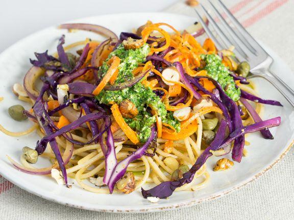 Gemüsenudeln mit Petersilien-Pesto