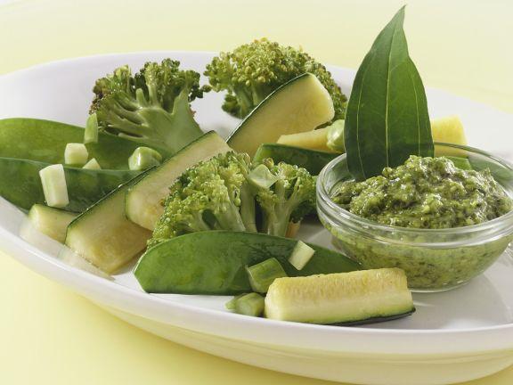 Gemüsepfanne mit Pesto