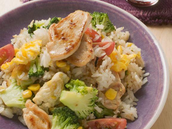 Gemüsereis mit Hähnchenfleisch