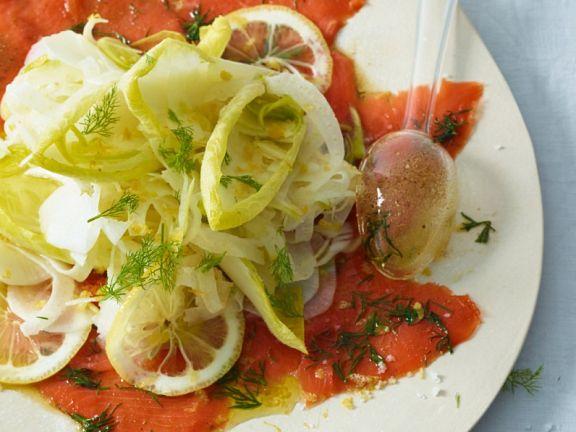 Gemüsesalat mit Fisch