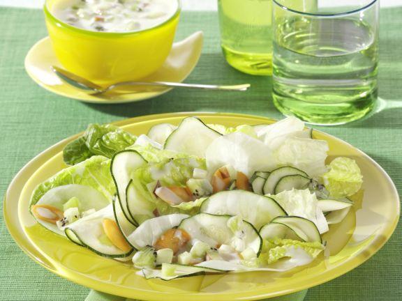 Gemüsesalat mit fruchtigem Dressing